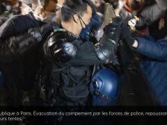 Expulsion de migrants place de la République 23 nov 2020 .png