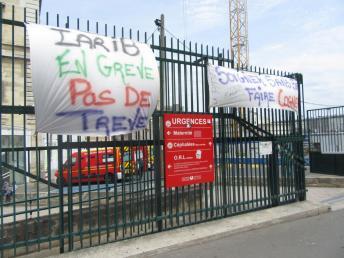 Urgences Lariboisière en grève . img_0528.jpg