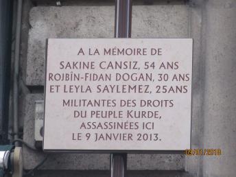 Plaque à la mémoire des 3 militantes kurdes . img_5859.jpg