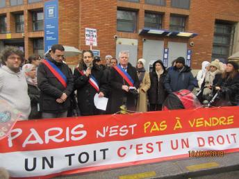 Rassemblement devant Alban Satragne 10 mars 2018 . img_6212_1.jpg