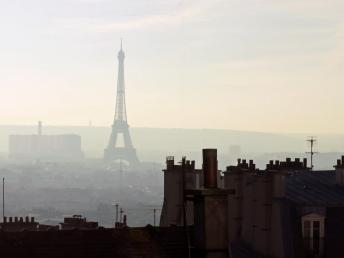 pollution Paris trimmed.jpg